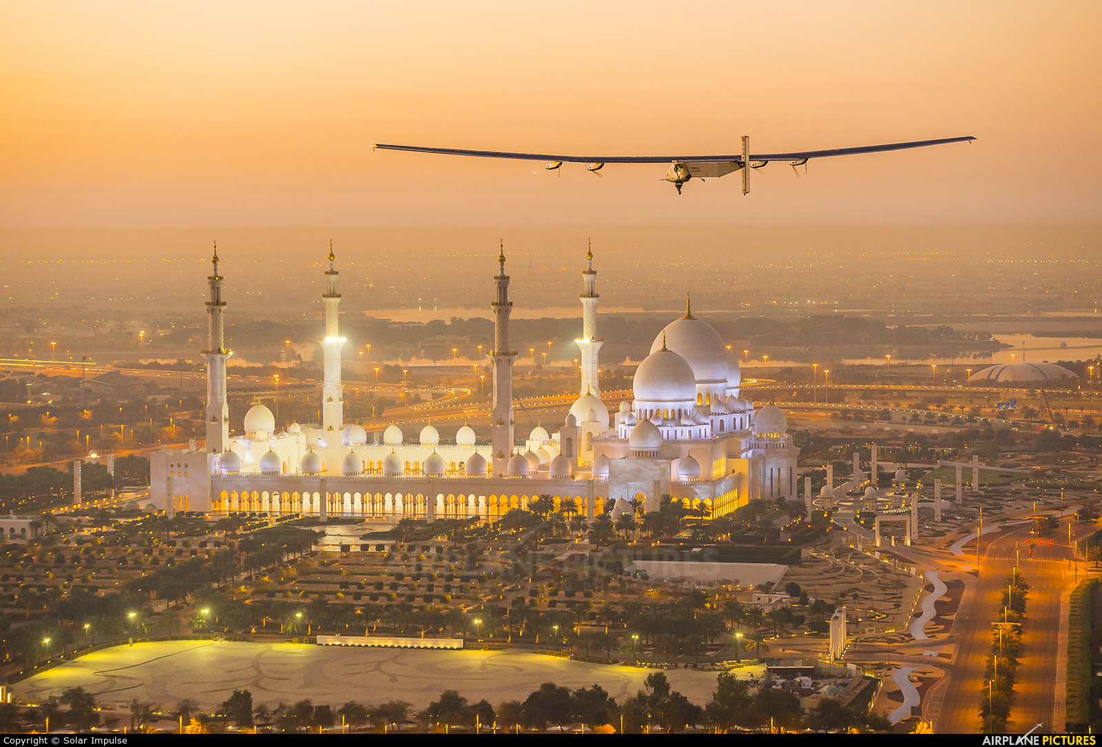 Dans les coulisses de Solar Impulse à Abu Dhabi