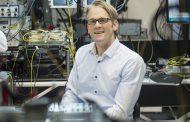 Tobias Kippenberg, le physicien de l'EPFL qui fait résonner la lumière