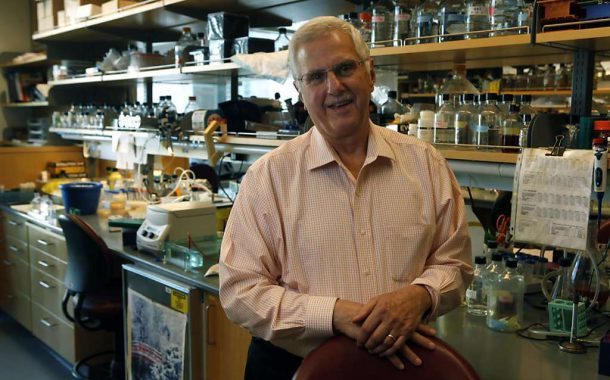 Pour Bruce Alberts, publier dans les revues prestigieuses est gage de succès en sciences